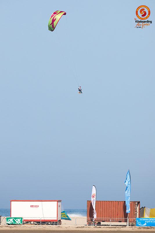 Paul Serin kite tow up Leucate