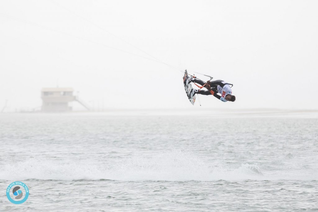 Leucate freestyle kite warm up