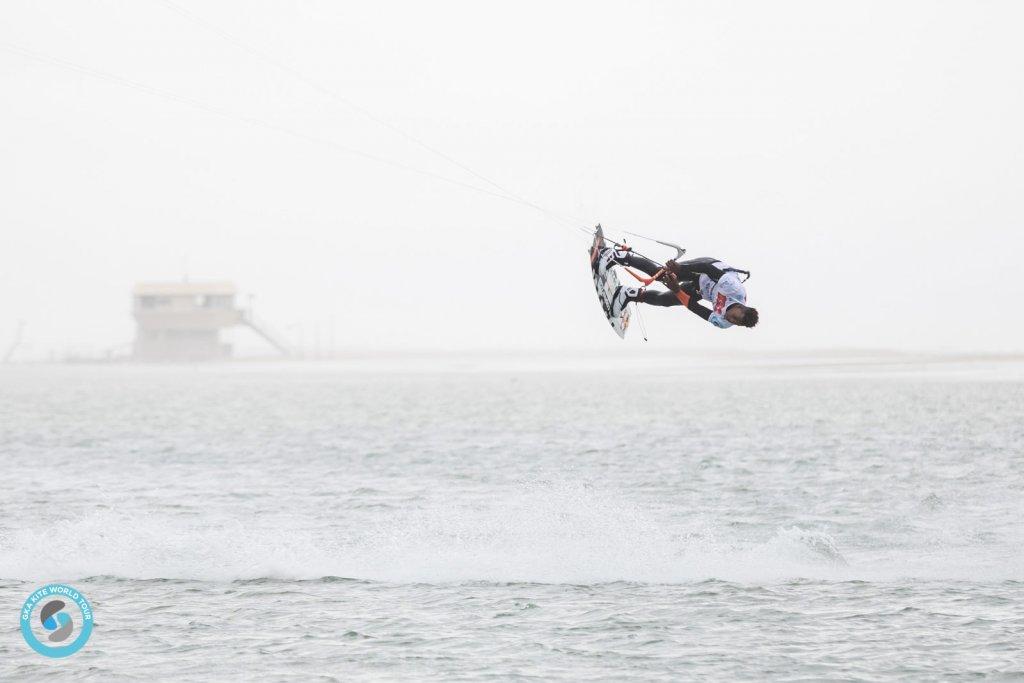 Leucate freestyle kite warm up