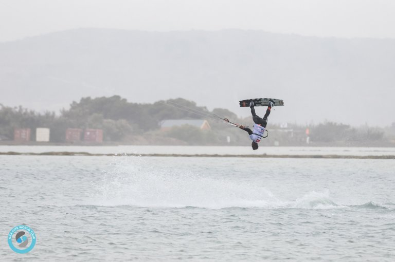 Image for Tuesday Update – GKA Leucate – Wind Coming Round On the Lagoon