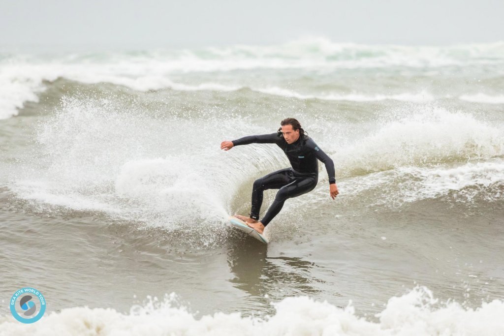 South African Aron Rosslee surfing Leucate