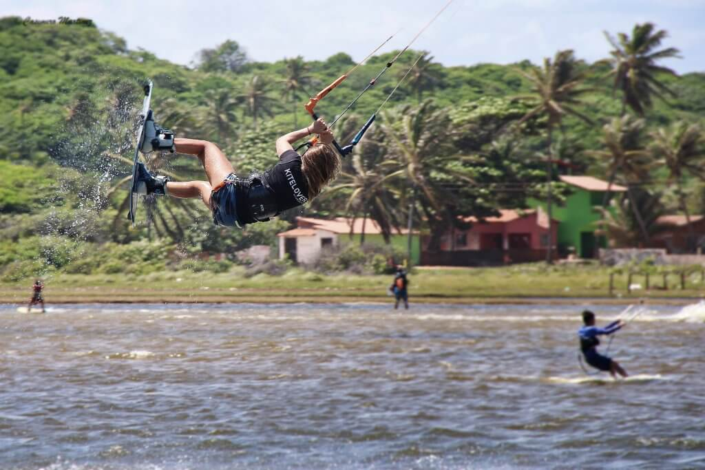Claudia Leon in Action - Freestyle Kiteboarding