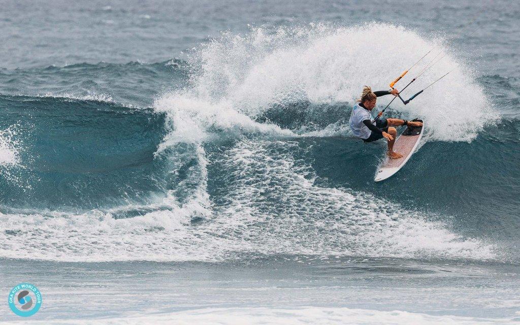 Simon Joosten gliding across the coping